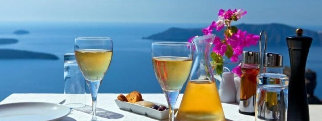 Vinurile grecești, la aperitiv, fel principal și cină